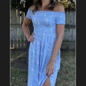 Dresses & Skirts - Floral daisy smocked high slit maxi dress